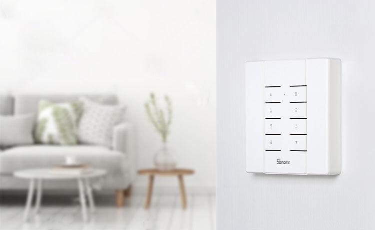 Télécommande RM433 sur un mur