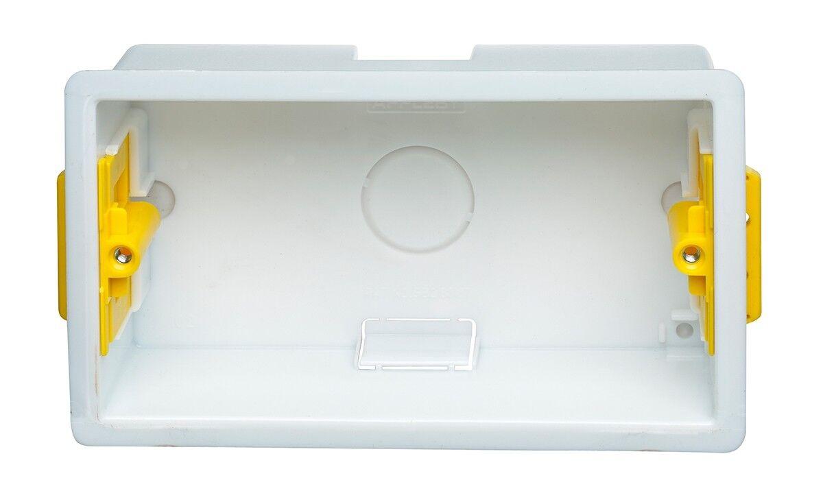 Boite dencastrement carr/ée 35mm blanche Appleby