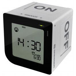Réveil digital radio piloté format carré avec touches tactiles couleur argent - Bresser