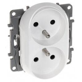 Prise électrique double 16A gamme Niloé - Legrand