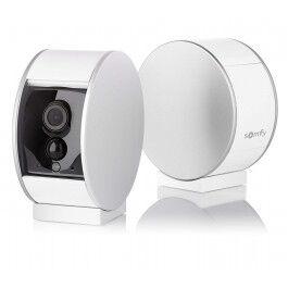 Caméra de surveillance intérieure avec volet motorisé - Somfy